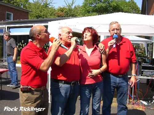Die Beeke-S�nger gatulieren Angela G�nther zu ihrem Geburtstag